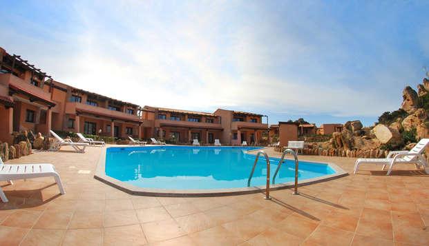 Resort con piscina y barco Grimaldi para unas vacaciones inolvidables en Cerdeña (9 días/7 noches)