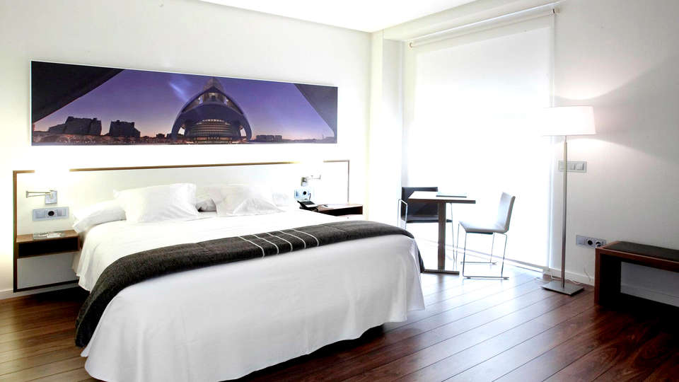 Hotel Primus Valencia - Edit_Room3.jpg
