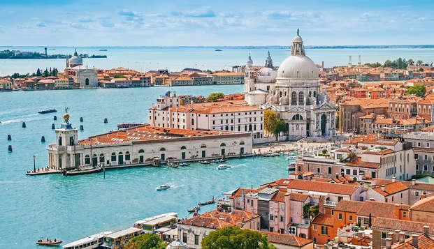 Entrée au casino et surclassement en chambre aux portes de Venise (2 nuits - non remboursable)