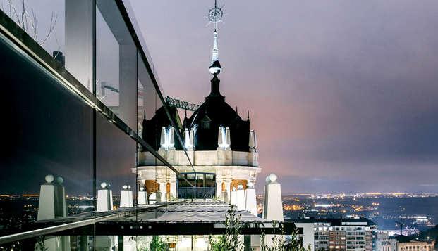 Dear Hotel Madrid - View