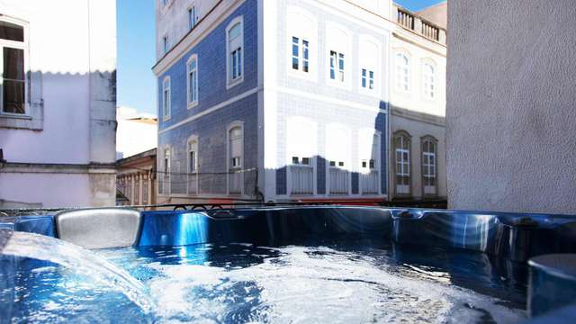 Escapada con detalle gastronómico y acceso al jacuzzi en la preciosa Aveiro