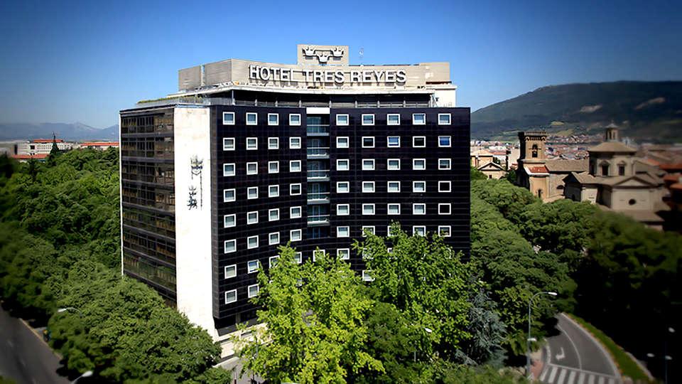 Tres Reyes Iruña Palace - Edit_Front2.jpg