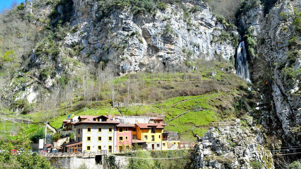 Hotel Puente Vidosa - Edit_front2.jpg