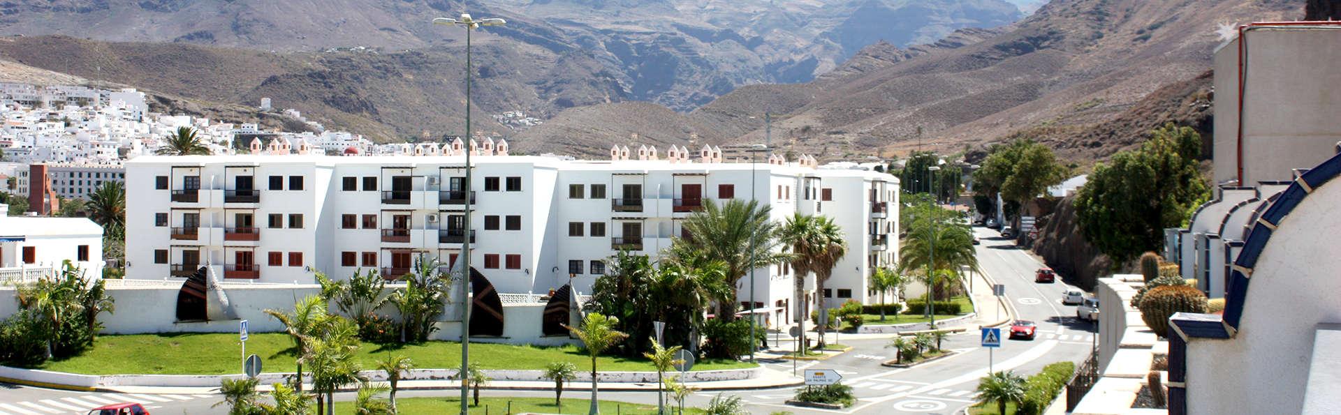Hotel Puerto de las Nieves - Edit_Front.jpg