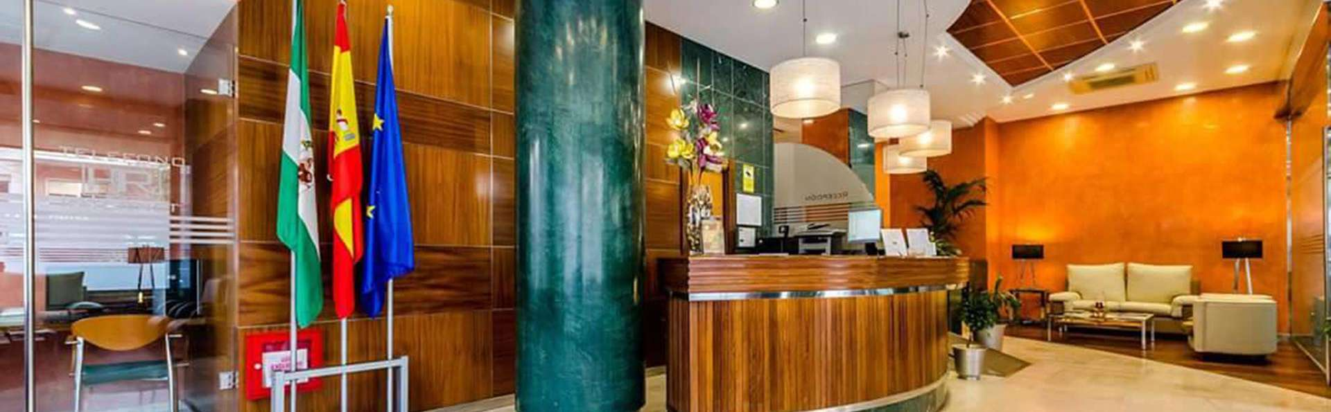 Hotel Regio Cádiz - EDIT_reception.jpg