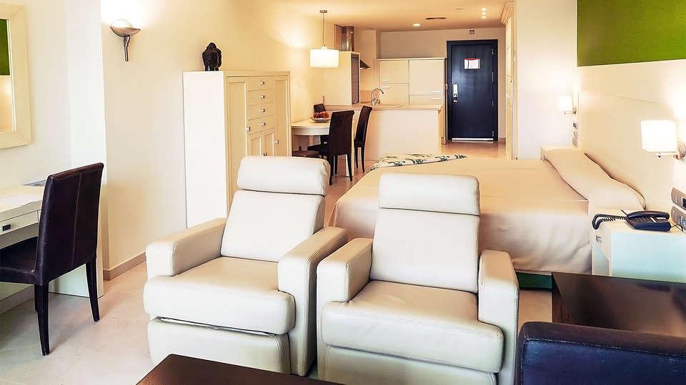 Hotel Puerto Juan Montiel Spa & Base Náutica - EDIT_room2.jpg