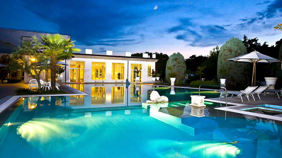 Bellavista Terme Resort & Spa - Edit_Pool3.jpg
