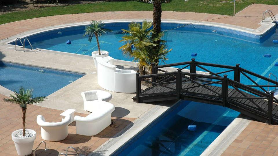 Hotel Isla de la Garena - EDIT_terracepool.jpg