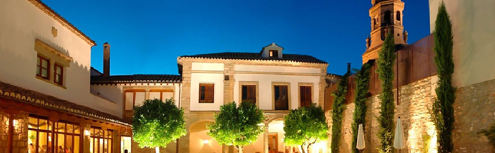 Hotel Puerta de la Luna - edit_front1.jpg