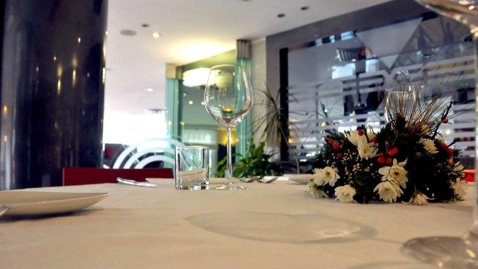 Ariha Hotel - Edit_Restaurant2.jpg