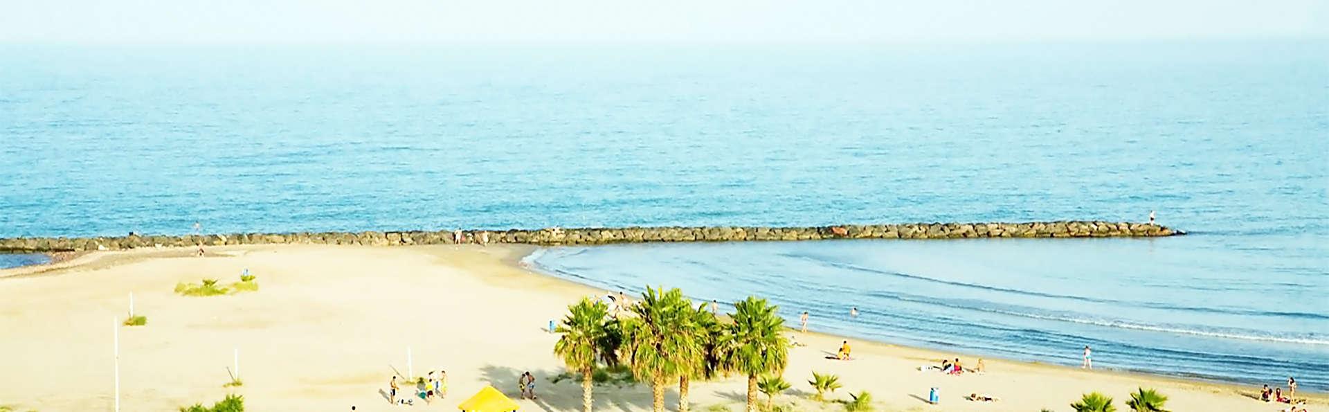 Hotel Sercotel Plana Parc - EDIT_beach.jpg