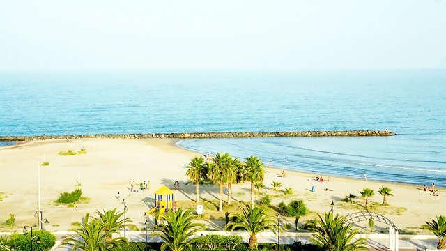 Llévate tu familia a la costa de Azahar y disfruta de los desayunos incluidos en tu escapada