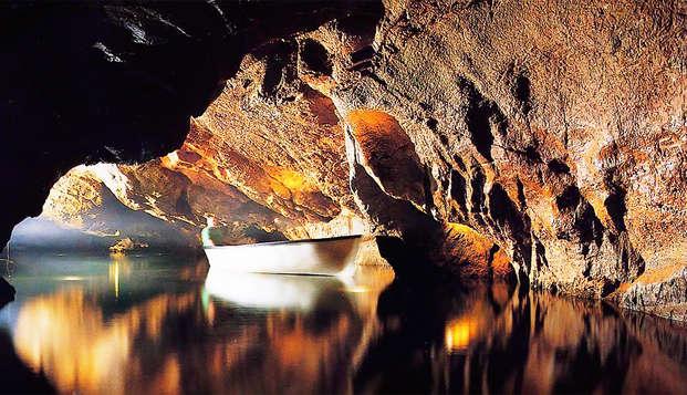 Aventura en barca por las Cuevas de San José y relax en el balneario de Villavieja ( desde 2 noches)
