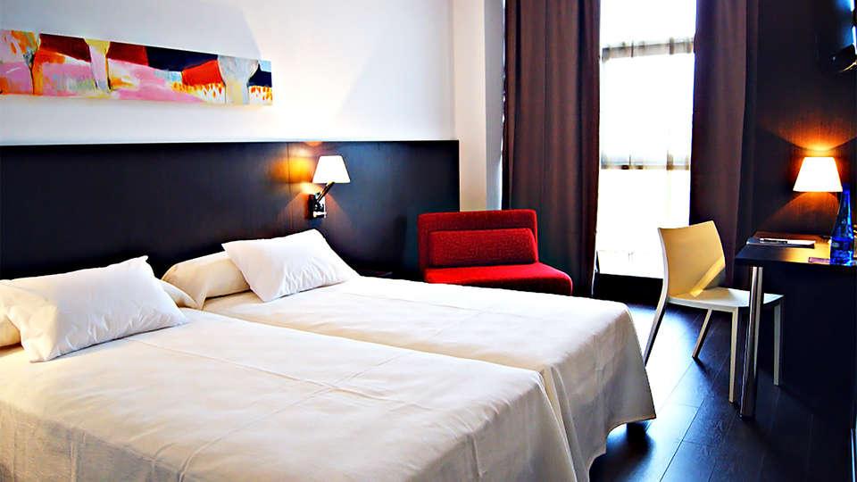 Hotel Sercotel Plana Parc - EDIT_room3.jpg