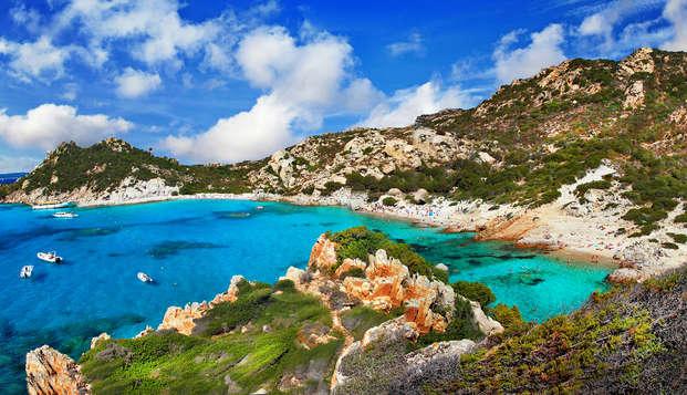 Mare e spiaggia alla Maddalena in un comodo trilocale