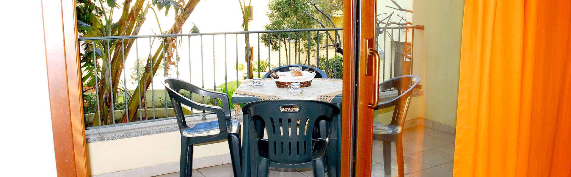 Residenze Le Vele - Edit_Terrace.jpg