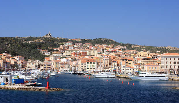 Estate in Sardegna alla Maddalena con nave Grimaldi (9 giorni/7 notti)
