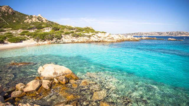 Offerta: traghetto Grimaldi alla scoperta delle spiagge della Maddalena (9 giorni/7 notti)