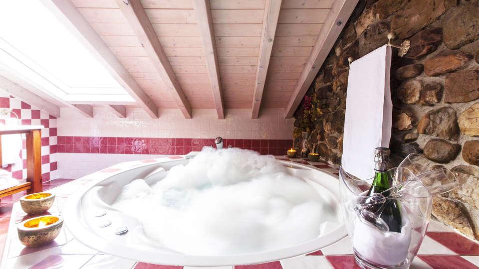 Hotel Spa Casona La Hondonada - EDIT_jacuzzi1.jpg