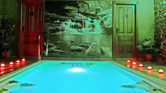 Escapada Relax con Spa privado y botella de cava en habitación con hidromasaje