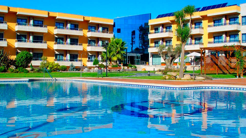 Hotel Spa Galatea Sanxenxo - EDIT_pool1.jpg
