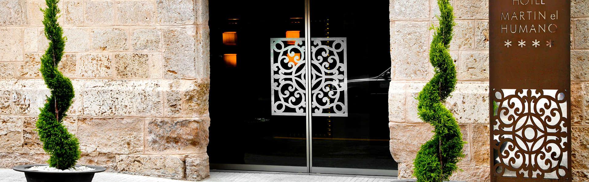 Hotel Spa Martín El Humano - EDIT_entrance.jpg