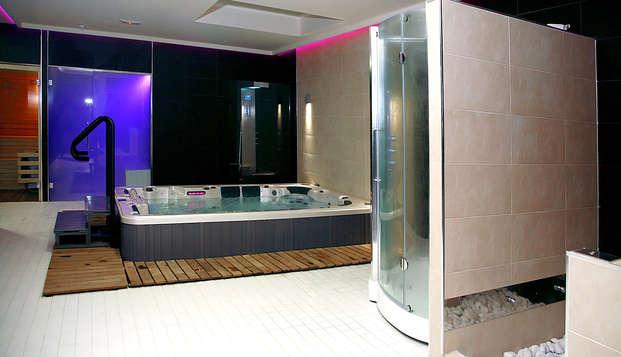 Full Lovely Moon: Media pensión y acceso al spa en habitación deluxe en un hotel 4*, Segorbe