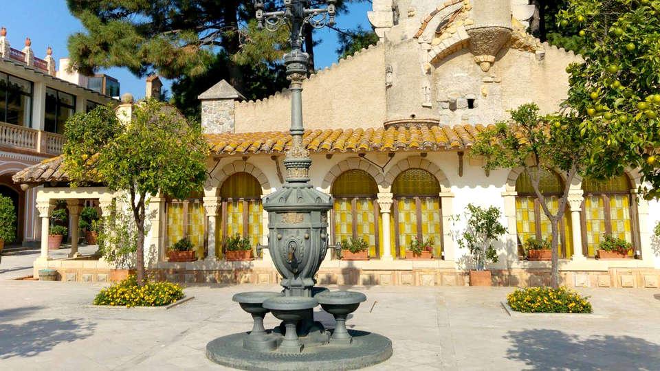 Hotel Termes Montbrió - Edit_Patio.jpg