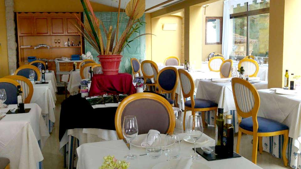 Hotel Termes Montbrió - Edit_Restaurant3.jpg
