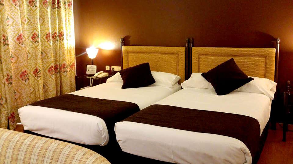 Hotel Termes Montbrió - Edit_Room2.jpg