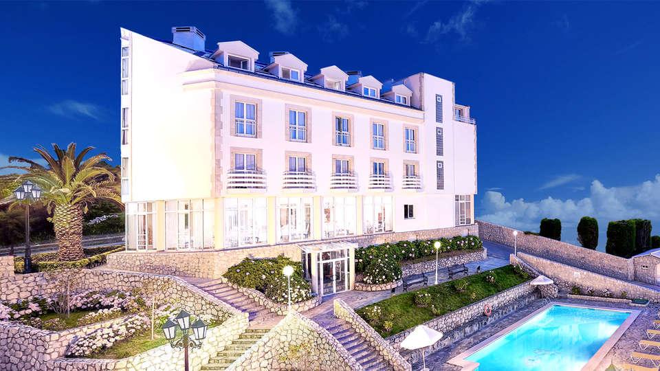 Hotel Suances - EDIT_facade.jpg