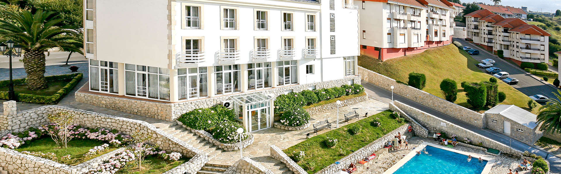 Hotel Suances - EDIT_facade2.jpg