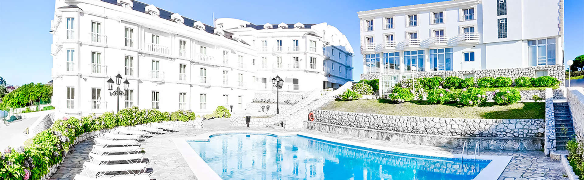 Hotel Suances - EDIT_pool1.jpg