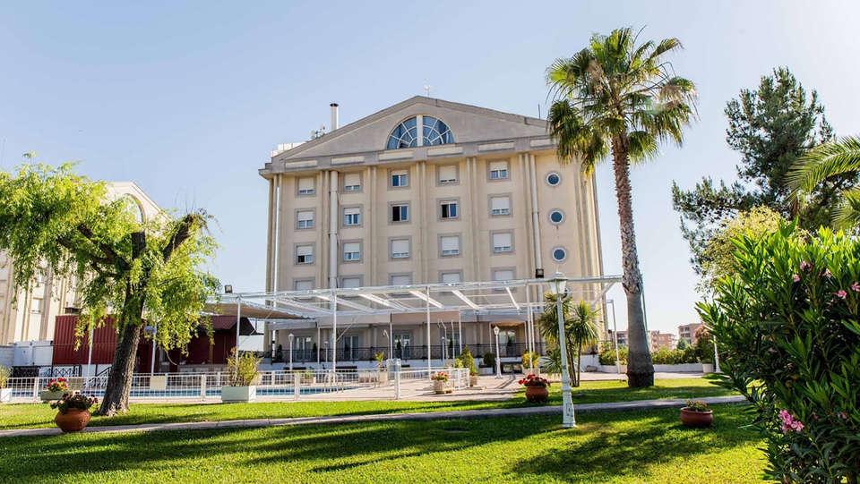 Hotel Velada Mérida - Edit_Front.jpg
