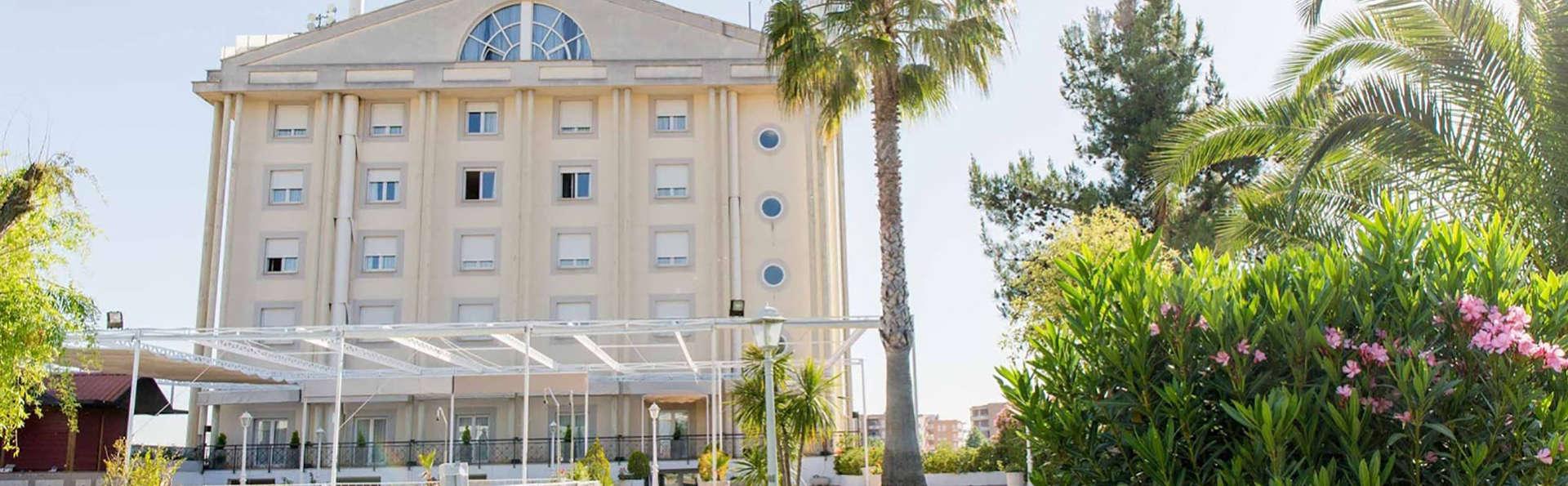 Hotel Velada Mérida - Edit_Front2.jpg