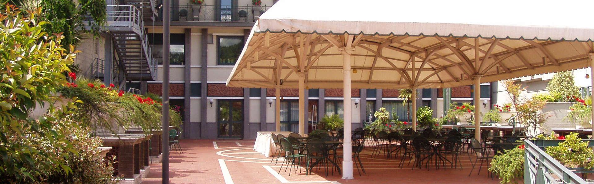 Hotel Civita - EDIT_NEW_terrace.jpg
