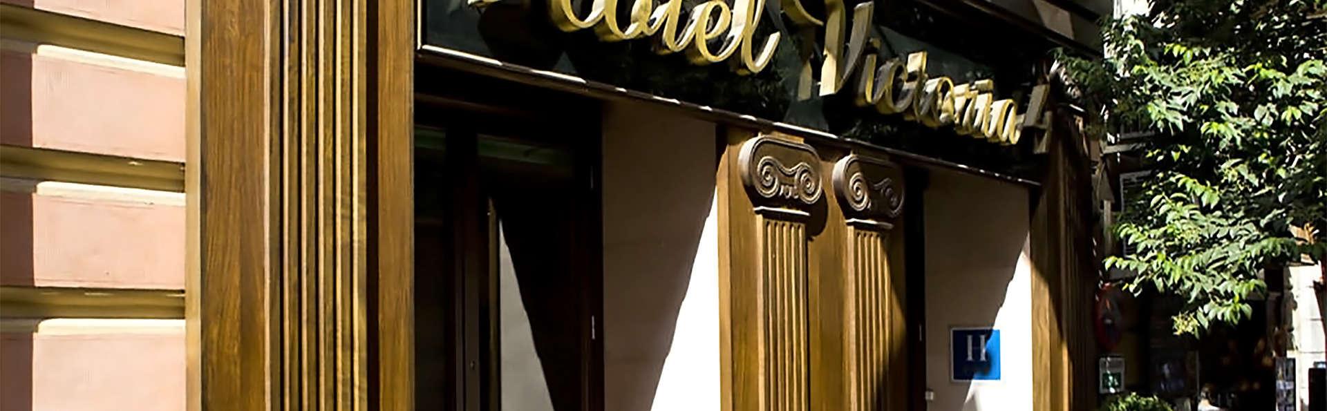 Hotel Victoria 4  - EDIT_facade3.jpg