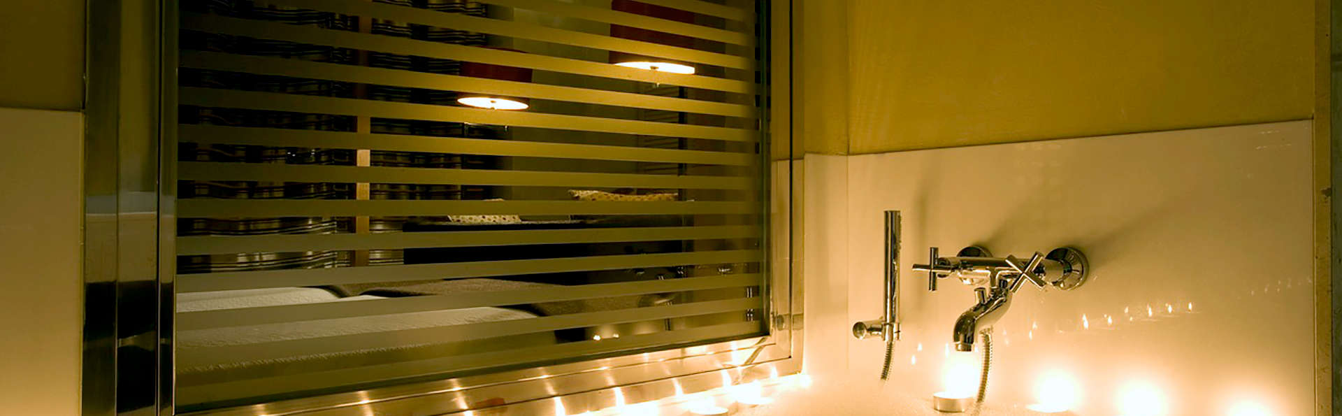 Hotel Villa Oniria - Edit_Bath.jpg