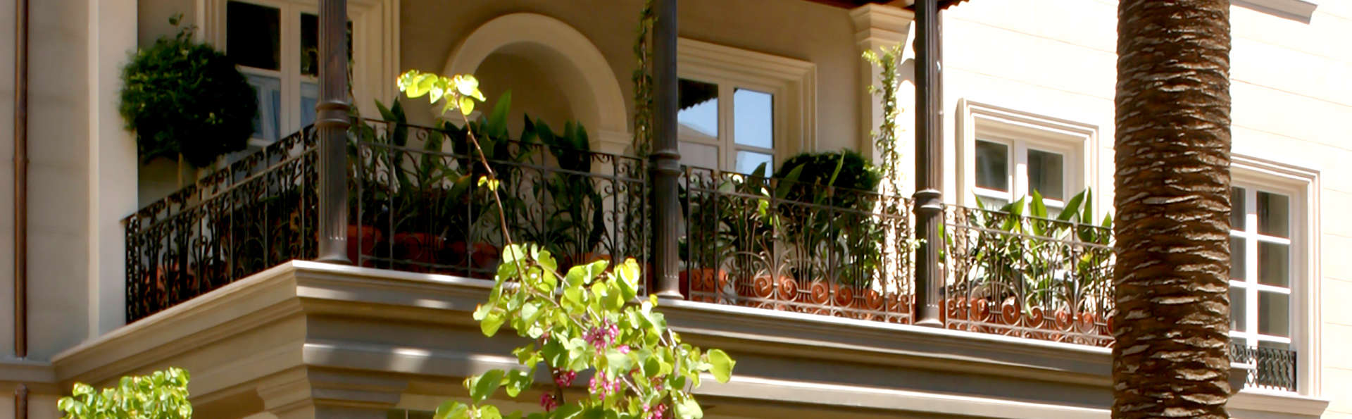 Hotel Villa Oniria - Edit_front.jpg