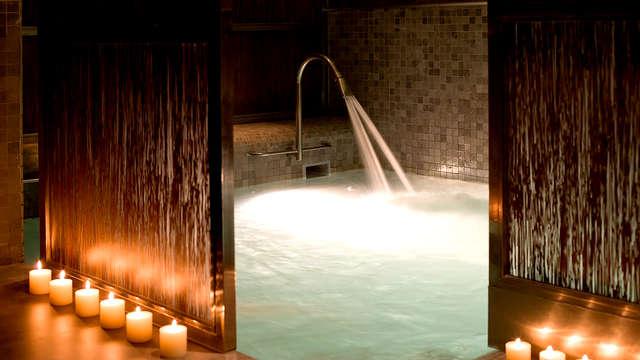 Escapada con spa, sauna, jacuzzi y piscina dinámica en el centro de Granada