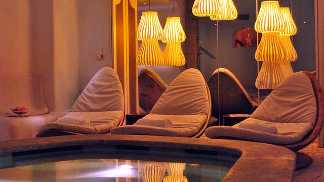 Romanticismo e benessere a Genova in un elegante hotel in centro con spa e massaggi inclusi