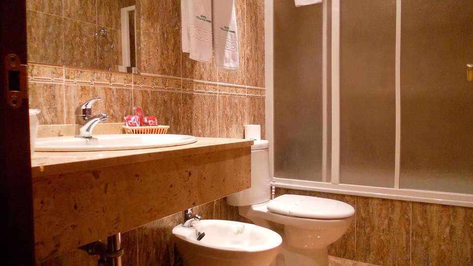 Hotel Villa San Remo - EDIT_bath1.jpg