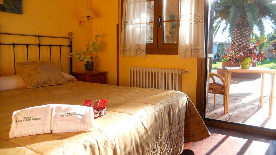 Hotel Villa San Remo - EDIT_room9.jpg