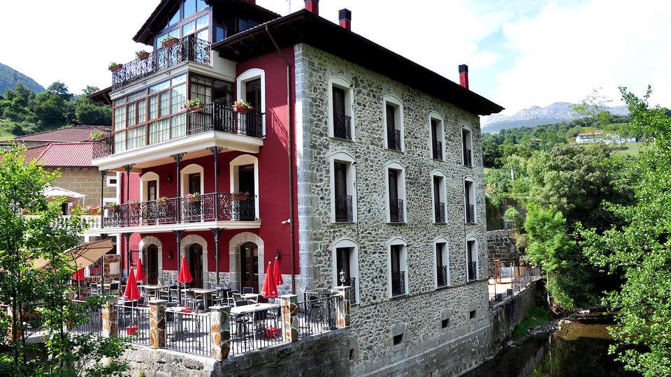 La Casa del Puente - Edit_Front.jpg