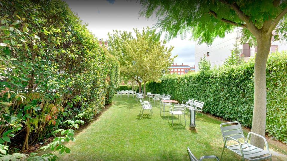 Luz Hotel - EDIT_garden.jpg