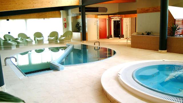 Pensión Completa con acceso ilimitado a piscinas termales