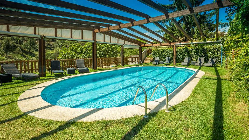 Mas Salagros Ecoresort & Aire Ancient Baths - EDIT_pool1.jpg