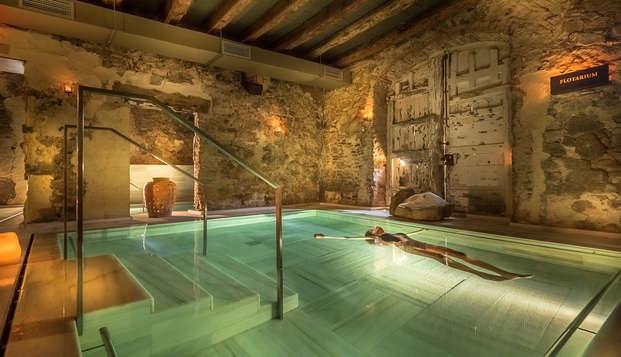 Détendez-vous dans le Parc Naturel de Serralada dans un hôtel 5* avec accès aux Bains arabes AIRE