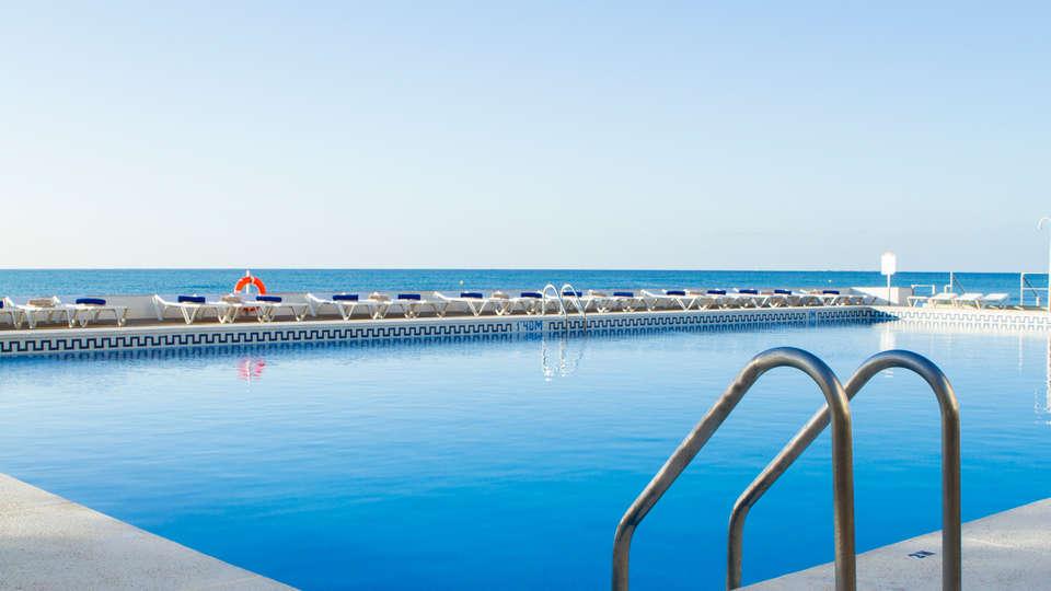 Hotel Cap Negret - EDIT_NEW_pool1.jpg