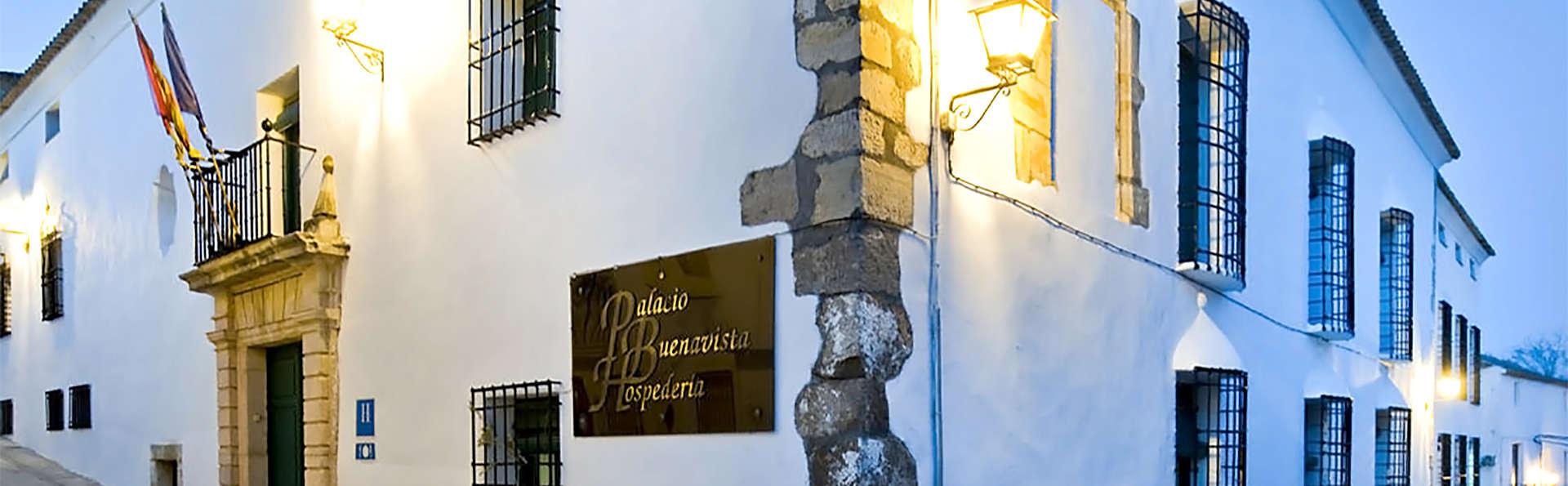 Palacio Buenavista Hospedería - EDIT_entrance2.jpg